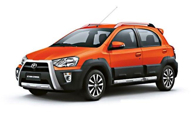 Toyota Etios Cross Dynamique (Inferno Orange)
