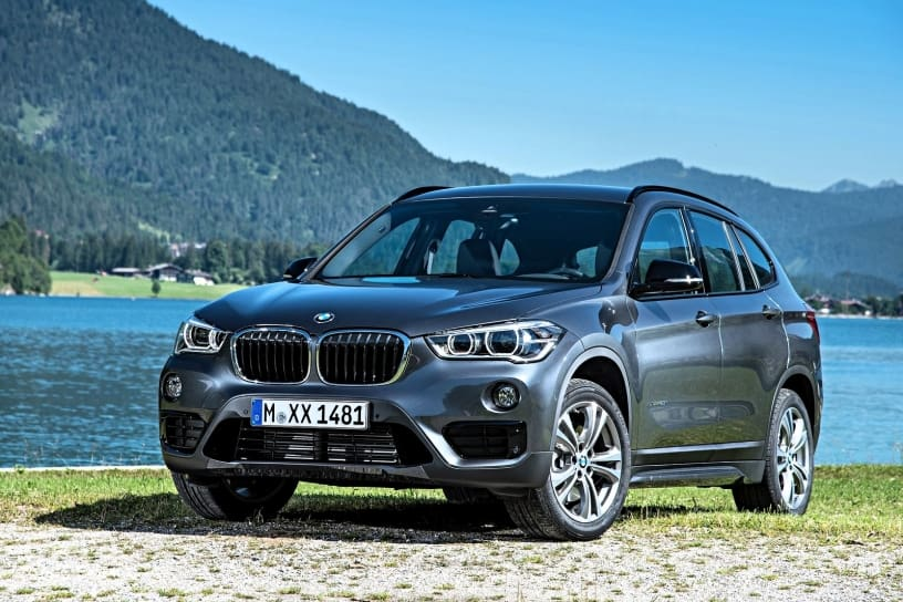 2019 bmw x1 facelift spied gets larger infotainment screen. Black Bedroom Furniture Sets. Home Design Ideas