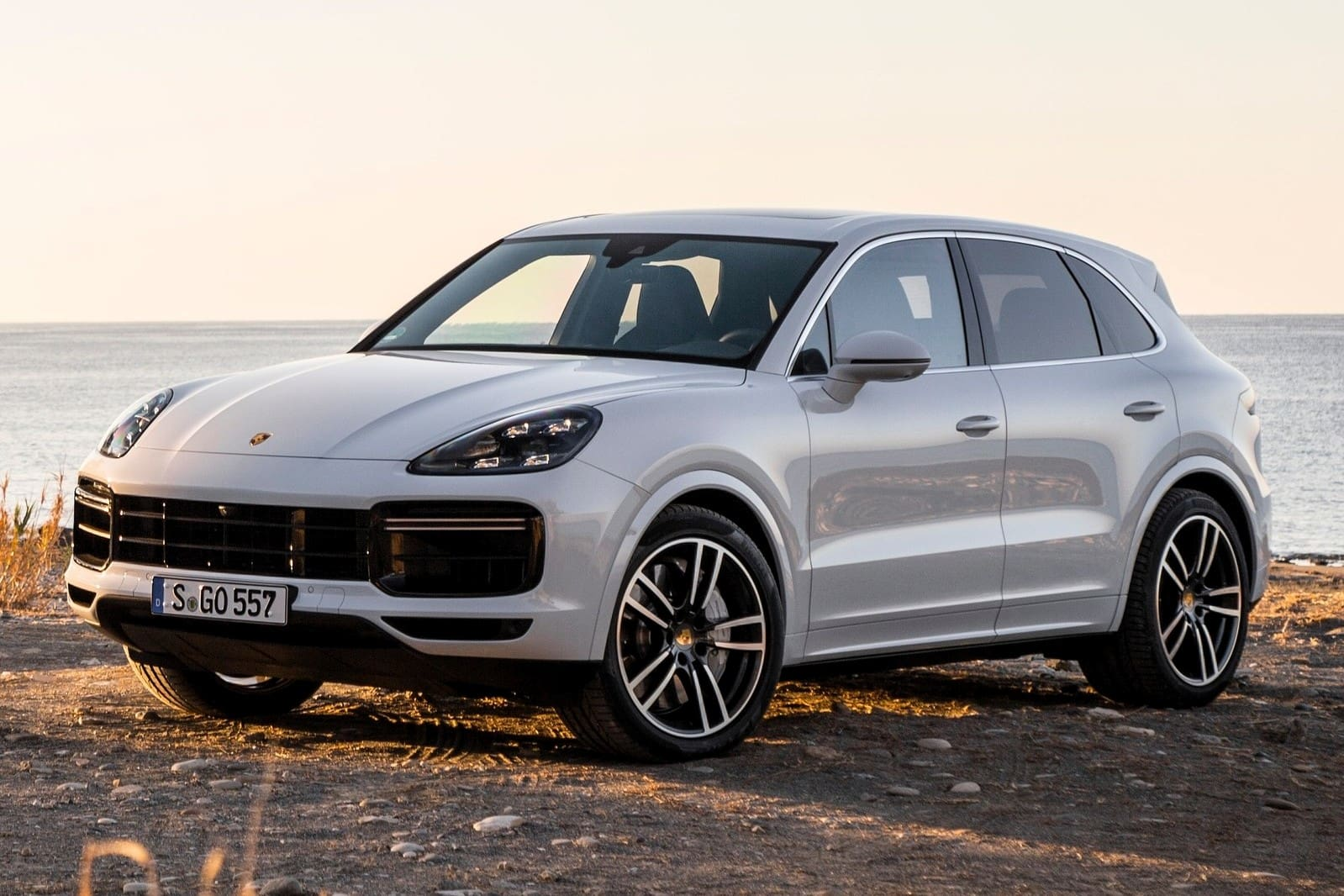 2018 Porsche Cayenne Launched At Rs 1 19 Crore Cardekho Com
