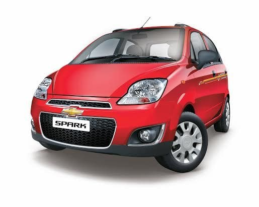 Chevrolet Spark 1 0 Lt On Road Price Petrol Features Specs Images