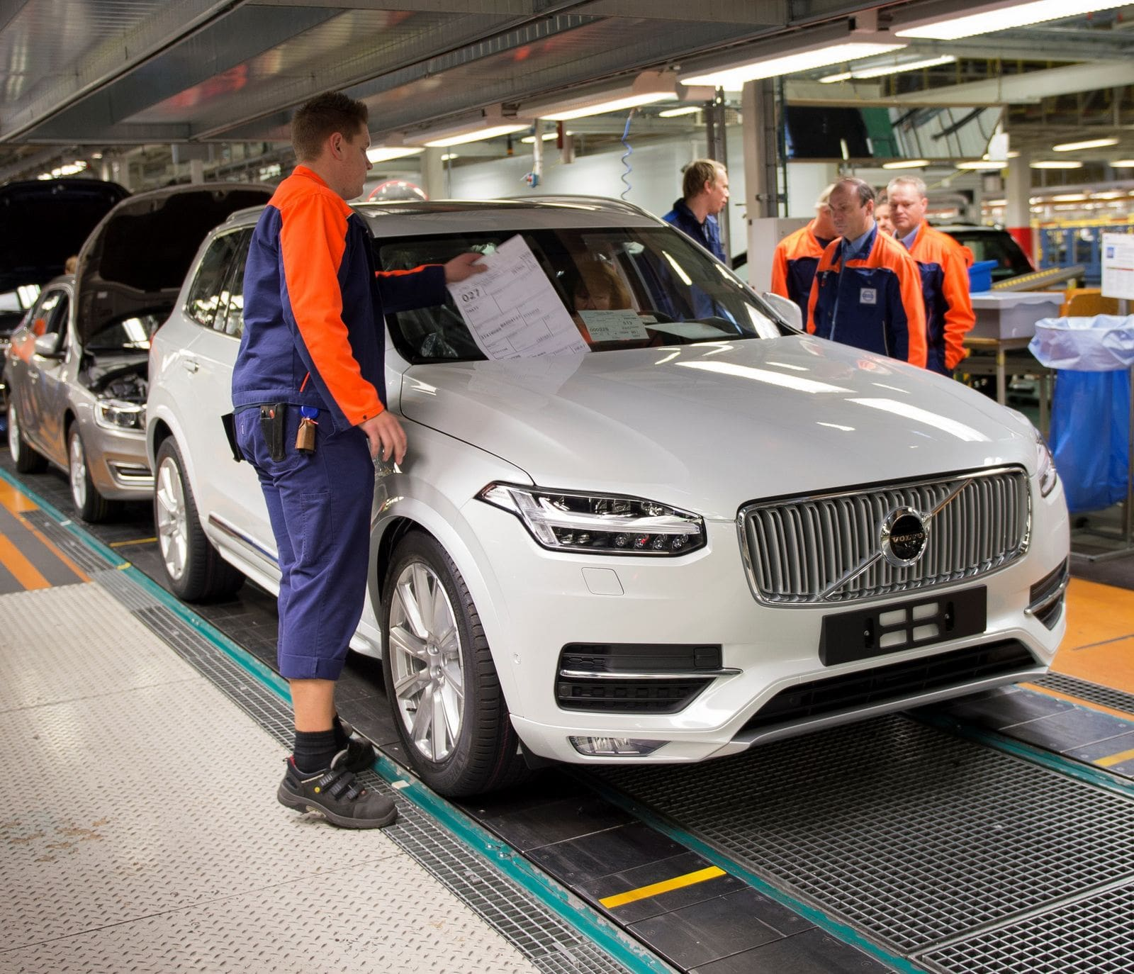 India Bound: Volvo XC90 Receives 30,000 Pre-Orders Globally!