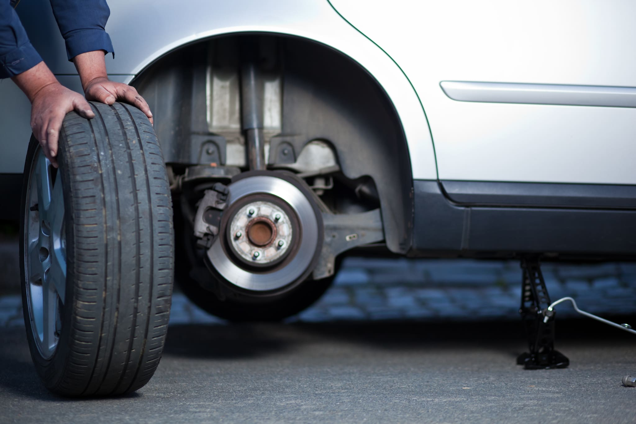How to Interchange Your Car Tyres?