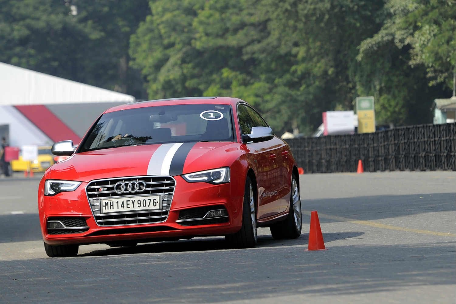 Of Drags and Departure Angles - 2016 Audi Weekender Mumbai