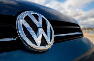 फॉक्सवेगन बनी दुनिया की सबसे बड़ी कार कंपनी