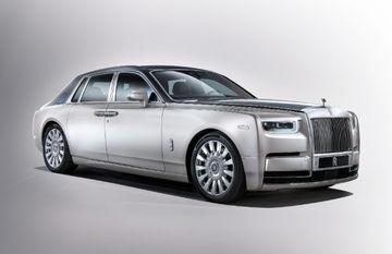 Rolls-Royce Phantom VIII Breaks Cover