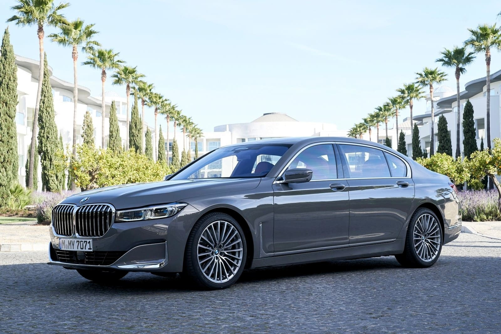 2019 BMW 7 Series Facelift Spied In India, Launch Soon
