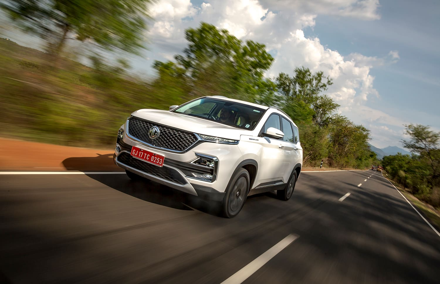 MG Hector: Proceed With BS4 Or Wait For BS6?