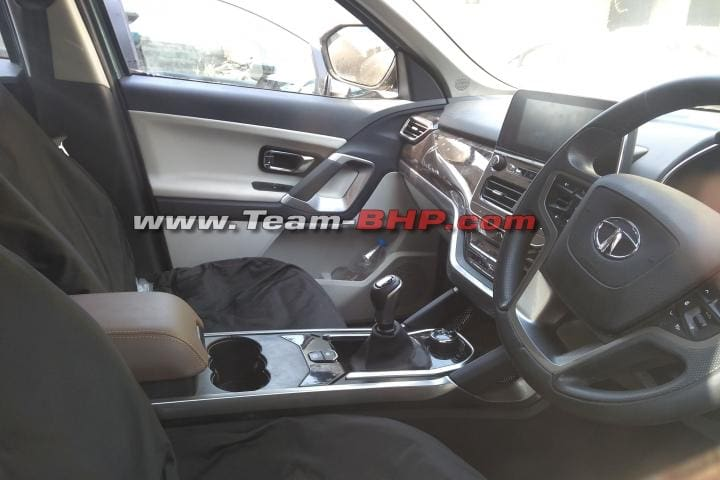 Tata Gravitas Spied. Gets Captain Seats & E-Parking Brake