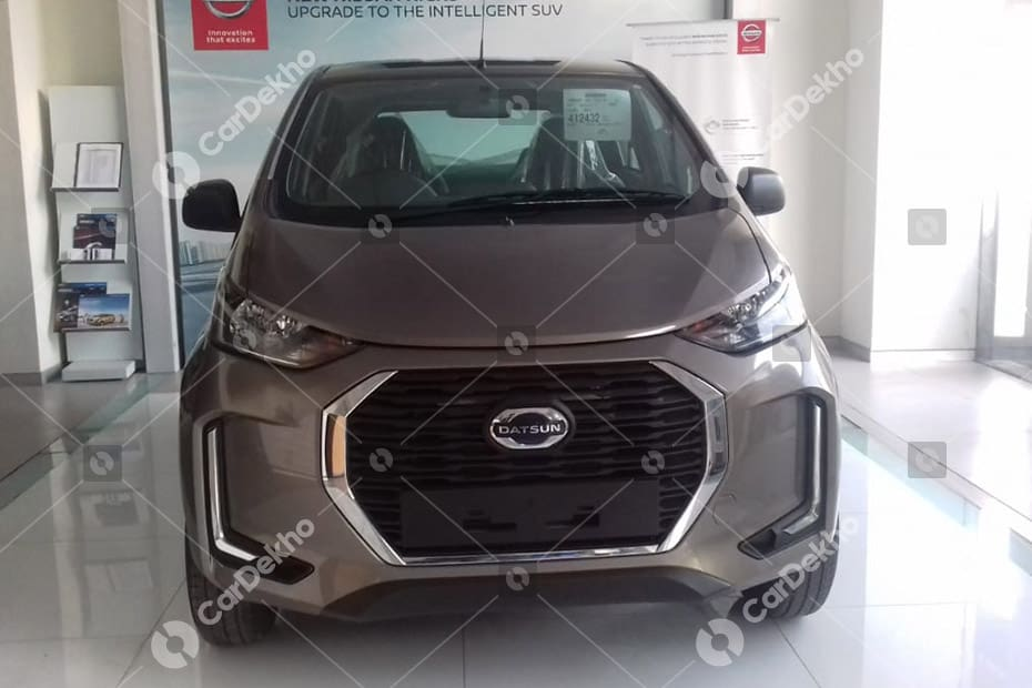 Datsun redi-GO Facelift Spied At Dealership, Launch Soon