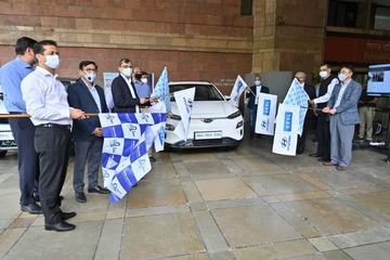 इलेक्ट्रिक वाहनों को बढ़ावा देने के लिए सरकारी बेड़े में टाटा नेक्सन और हुंडई कोना ईवी शामिल कर रही है भारत सरकार