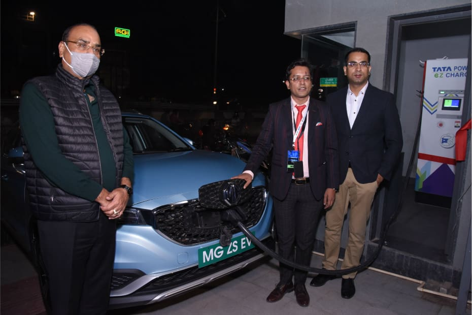 MG Motor-Tata Power Sets Up First Superfast Charging Station In Agra