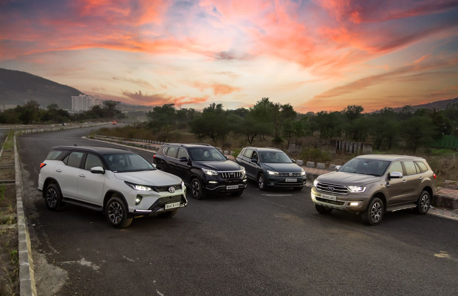 Beat The Heat: Toyota Fortuner vs Ford Endeavour vs Mahindra Alturas G4 vs VW Tiguan AllSpace : AC Performance Compared