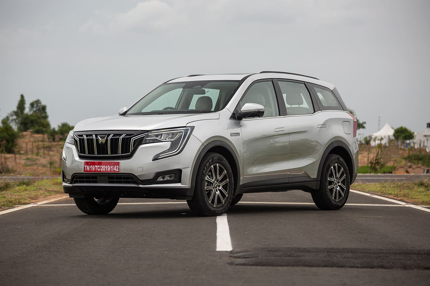 All The Mahindra XUV700 Variants And The Options You Have