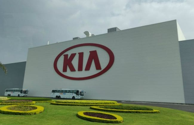 Kia Plant Officially Complete, Ready For Upcoming Carnival & QYI - CarDekho thumbnail