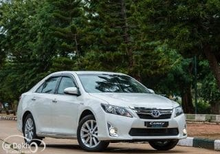 Toyota Camry Hybrid Expert Review