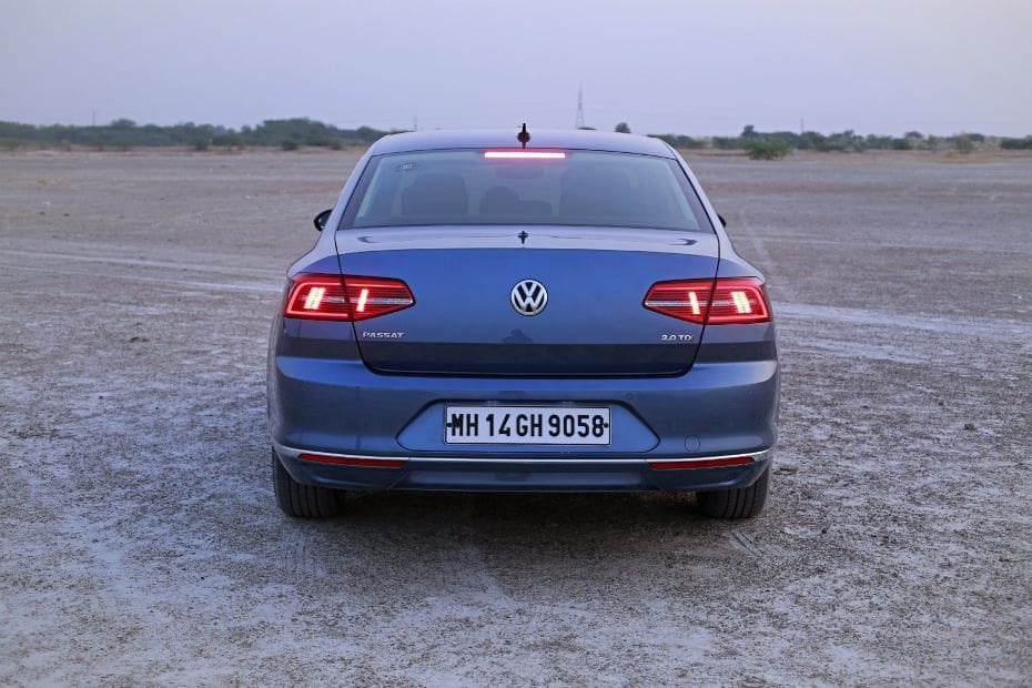 Volkswagen Passat Road Test Images