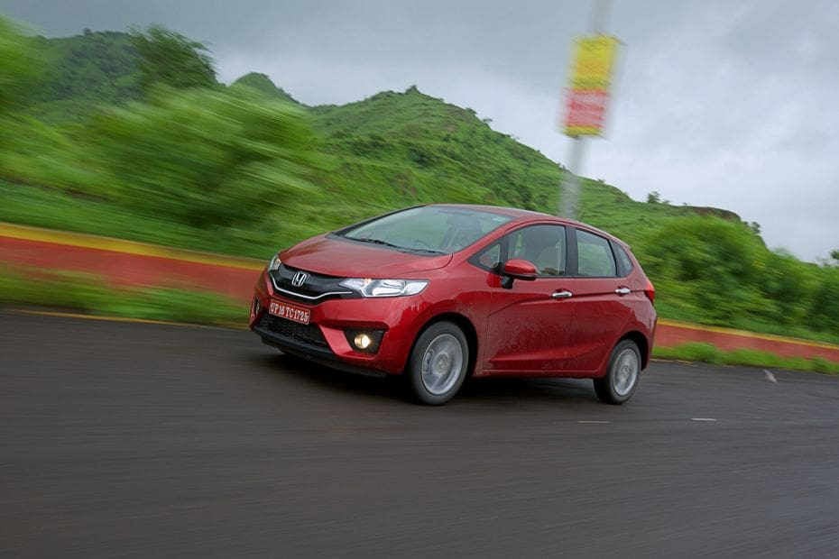Honda Jazz Price (August Offers!), Images, Review & Specs
