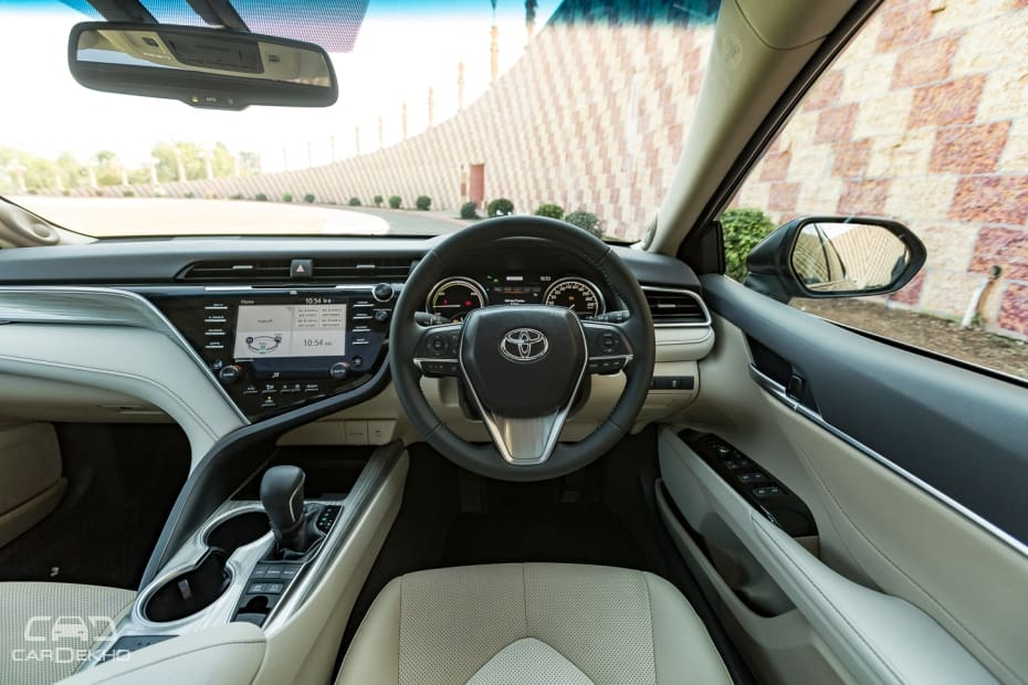 Toyota Camry Road Test Images