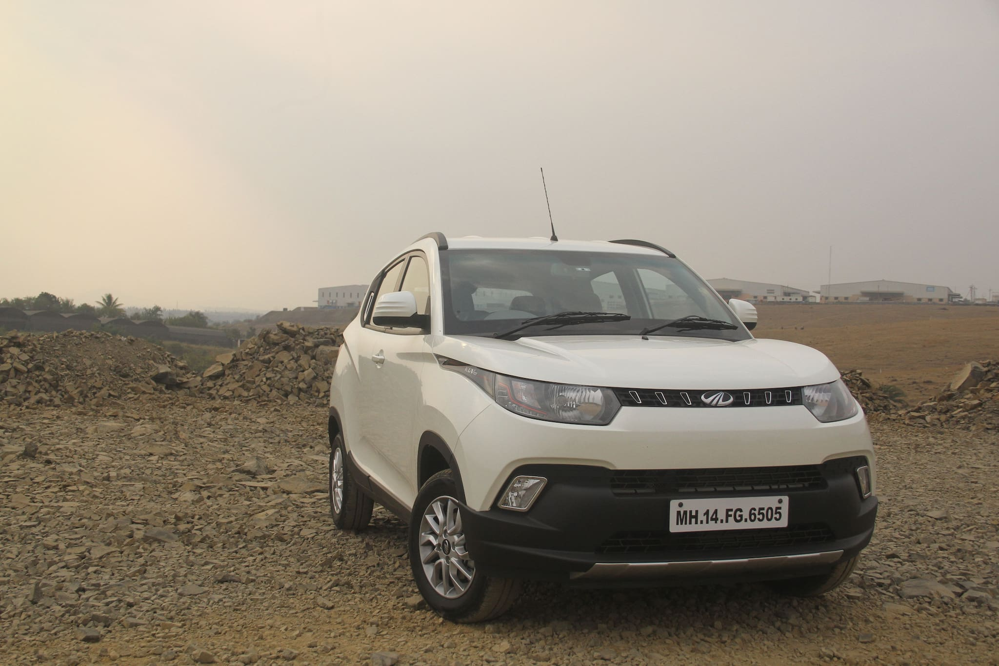 Mahindra KUV1OO : First Drive Review   Petrol and Diesel driven!