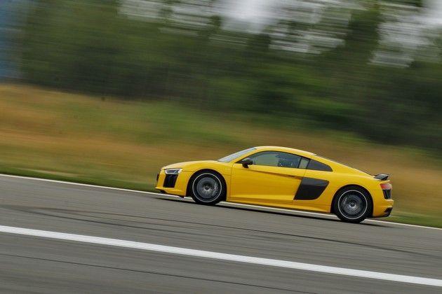 Quick Spin : Audi R8 V10 plus