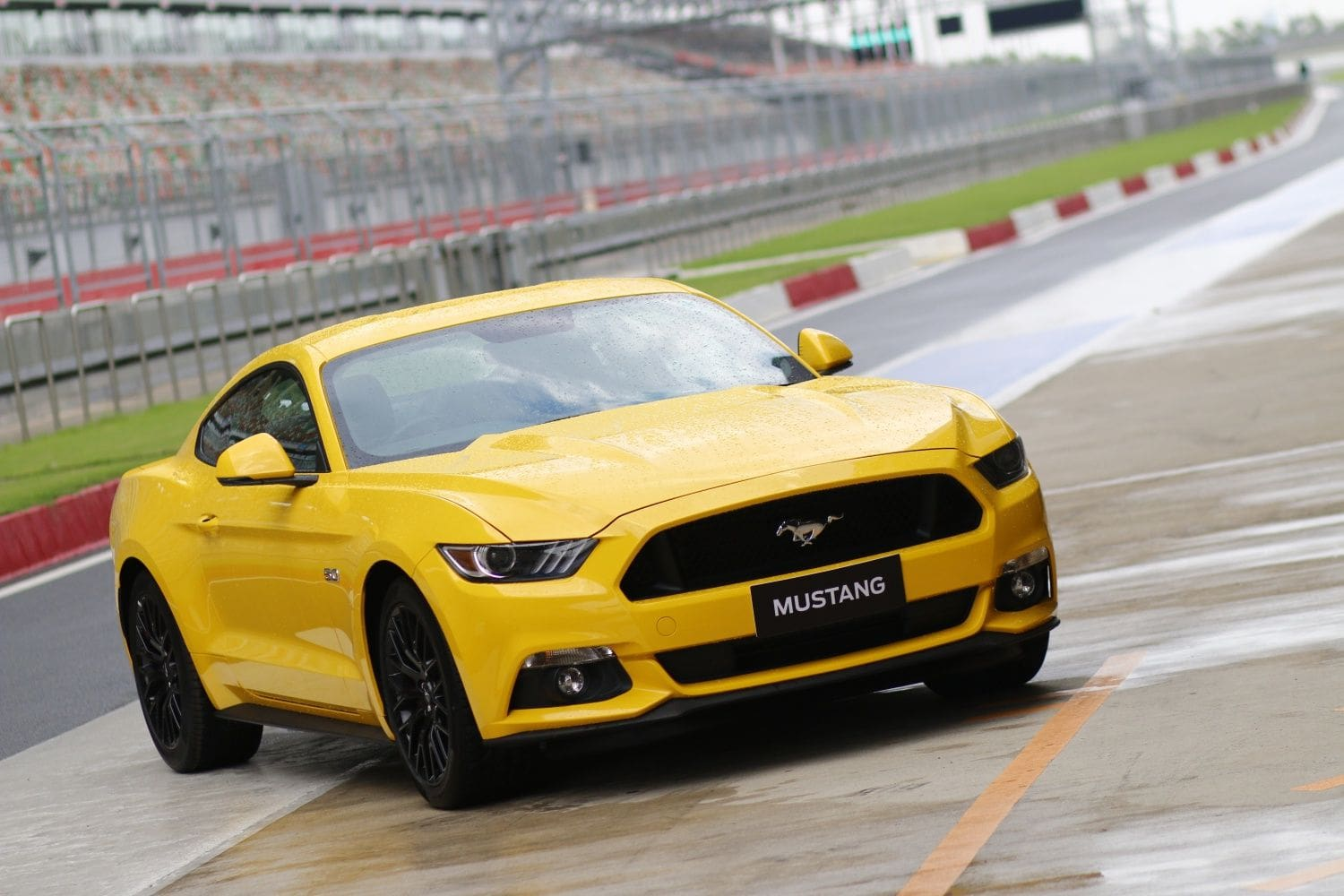 Ford Mustang V8: India First Drive Review