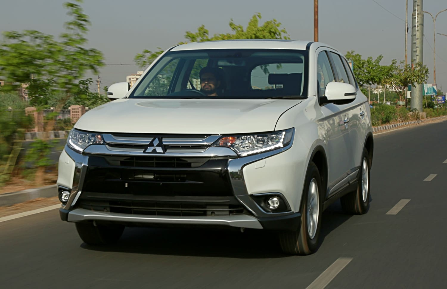 Mitsubishi Outlander: First Drive Review