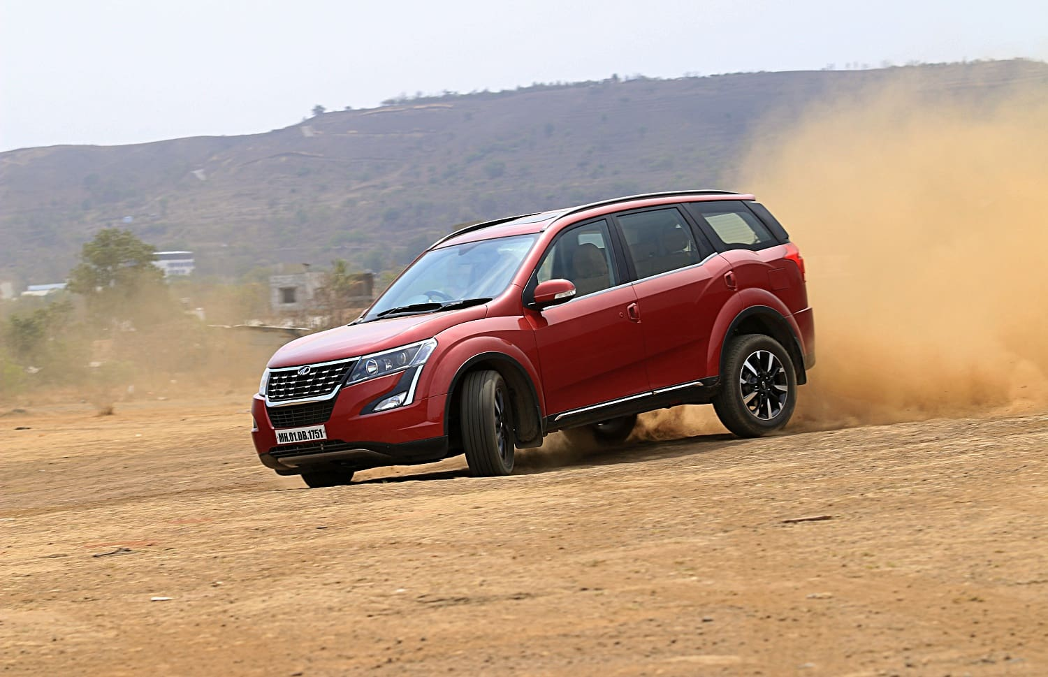 Mahindra XUV500 W11(O) AWD Automatic:  Review