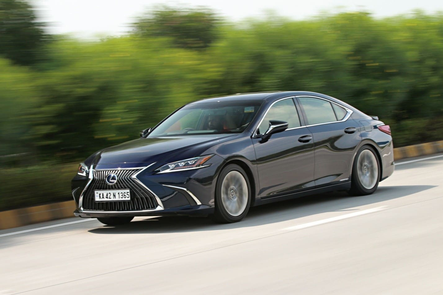 2018 Lexus ES 300h: First Drive Review