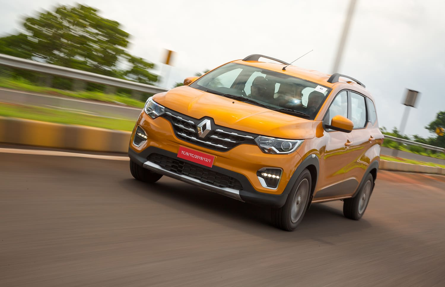 Renault Triber Review- The One For Your Tribe?