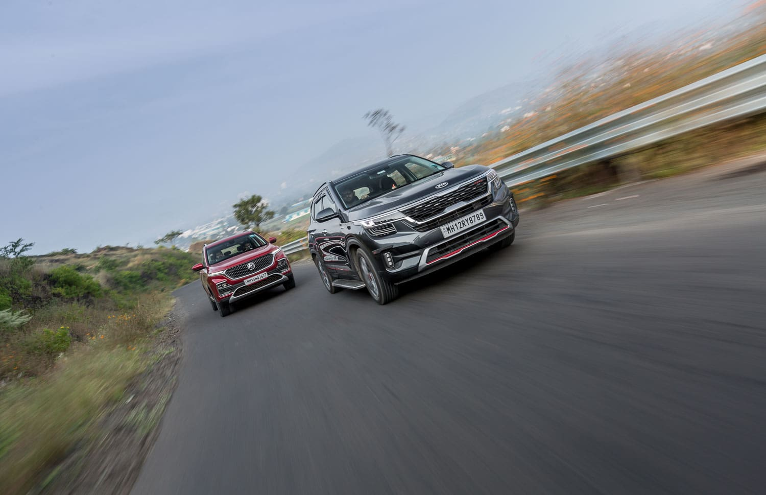 Kia Seltos vs MG Hector: Petrol-auto Comparison Review