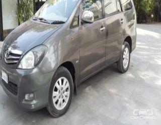 2009 Toyota Innova 2.5 VX 8 STR