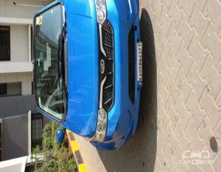 2017 Mahindra e2oPlus P6