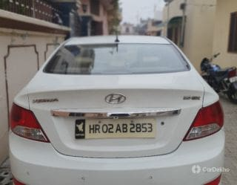 2012 హ్యుందాయ్ వెర్నా 1.6 ఎస్ఎక్స్