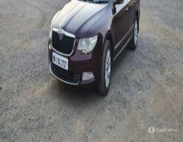 2011 ஸ்கோடா சூப்பர்ப் Elegance 2.0 TDI CR AT