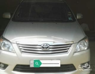 2012 Toyota Innova 2.5 VX 8 STR