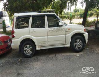 2014 Mahindra Scorpio VLX 2WD ABS AT BSIII