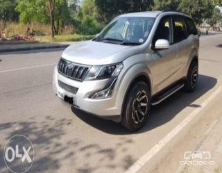 2017 Mahindra XUV500 W6 2WD
