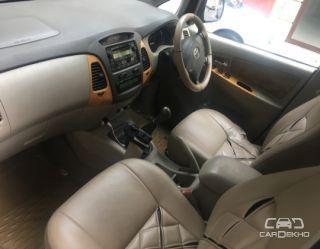 2010 Toyota Innova 2.5 VX 8 STR