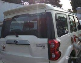 2018 महिंद्रा स्कॉर्पियो एस7 140 BSIV