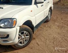 2014 महिंद्रा स्कॉर्पियो VLX 2WD 7S BSIV