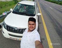 2018 மஹிந்திரா எக்ஸ்யூஎஸ் AT டபிள்யூ 6 2WD