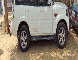 2017 மஹிந்திரா ஸ்கார்பியோ S10 AT 2WD