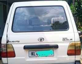 2004 टोयोटा क्वालिस जीएस G8