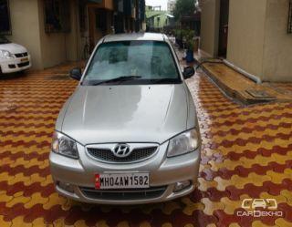 2000 Hyundai Accent GLE 1