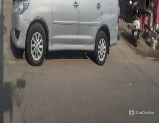 Toyota Innova 2.5 VX 7 STR BSIV