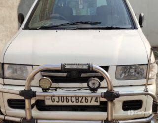 Chevrolet Tavera LS B3 - 10 seats BSIII