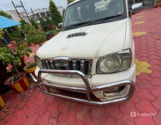 Mahindra Scorpio EX 2WD 9S