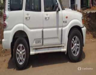 Mahindra Scorpio VLX 2WD AIRBAG AT BSIV