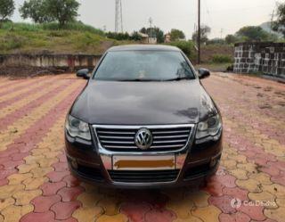 Volkswagen Passat 1.8 TSI MT